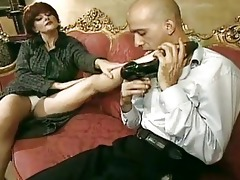 sexually excited mommy can to taste a pounder