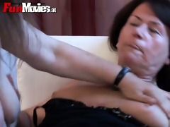 old lady lesbos rub and touch every other