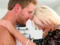 hot blond mother i lovely mommy