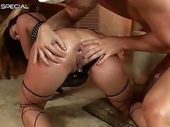 amazing pierced twat d like to fuck engulfing