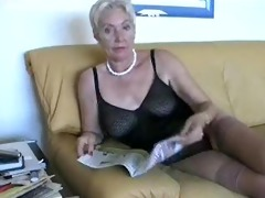 hawt older lady in underware