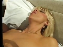 hawt golden-haired mother i &; bbc