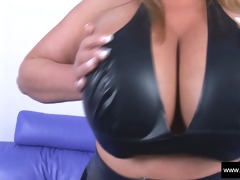 large mambos carol brown latex enjoyment
