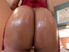 sharing mama&#1710 s ass