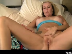 blond mother i fingers her drenched muff