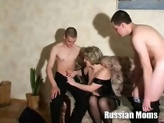 russian mom valia