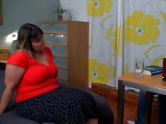big beautiful woman seduces her psychologist
