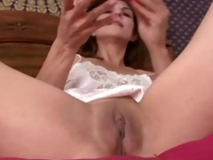 milf closeup bawdy cleft masturbation