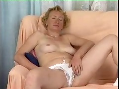 lady shows all 713