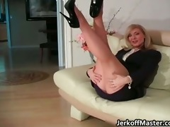 blonde d like to fuck nina stripping and rubbing
