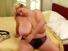 large aged nympho getting nasty amateur