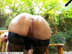 big-booty golden-haired joslyn james has a