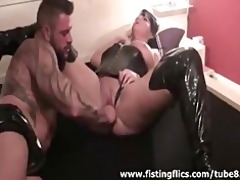 bodybuilder fisting his wifes cookie