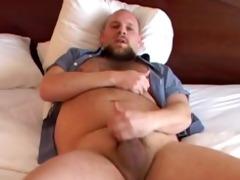 sexy bear jerks off