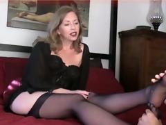 mamma foot fetish