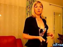 presentation jolie older blond