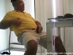 mature dad likes jerking off on livecam