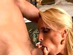 mamma shows off her large mambos in advance of