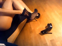 ladymm italian milf, high heels and hose