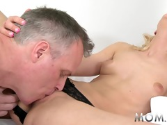 mama blond d like to fuck rides large schlong