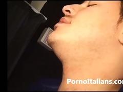 bionda italiana chiavata da maschio mandrillo -