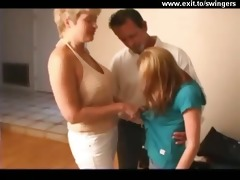 ffm swinger threesome with older mommy and legal