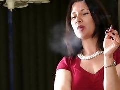 hawt smoker d like to fuck talks whilst smokin