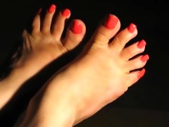 hot feet and lengthy toenails