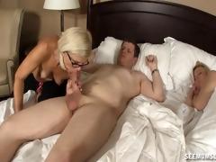 mature lady sucks a boys rod