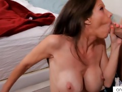 bigtit mommy receives a jism baths