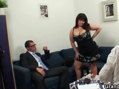 plump lady is invited to photosession