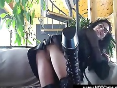 chat free perverted mother i in leather outfit on
