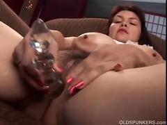 hot aged hottie shows off her pleasing big milk