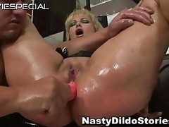 mature d like to fuck receives chocolate hole