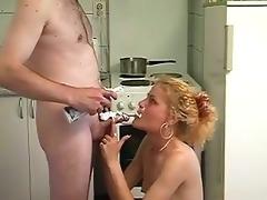blond mamma screwed in kitchen in sexy dilettante