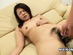 japanese d like to fuck mami isoyama leans back