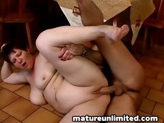 large abdomen on the floor