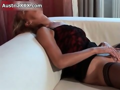 lustful aged bitch goes insane fingering