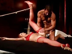 mature hotty getting bondaged