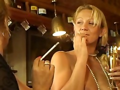 mature bar harlots smokin 1148s and having