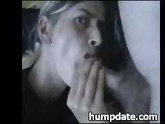 wife gives orall-service and takes cum in her