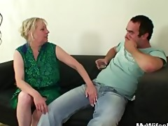 she is finds him fucking her mamma