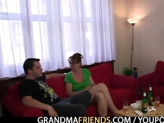 anal loving mama jumps on pounder