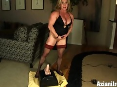 male bodybuilder rides the rock hard sybian