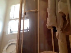 peeping on mamma showering with door open