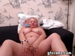 aged granny fingering pussy play