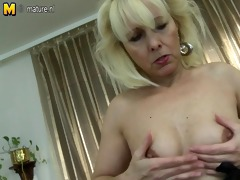 sexy grandmom can live out of to play with herself